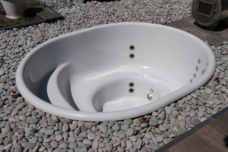 Buitenleven   Hottub in eigen tuin - Woonblog StijlvolStyling.com