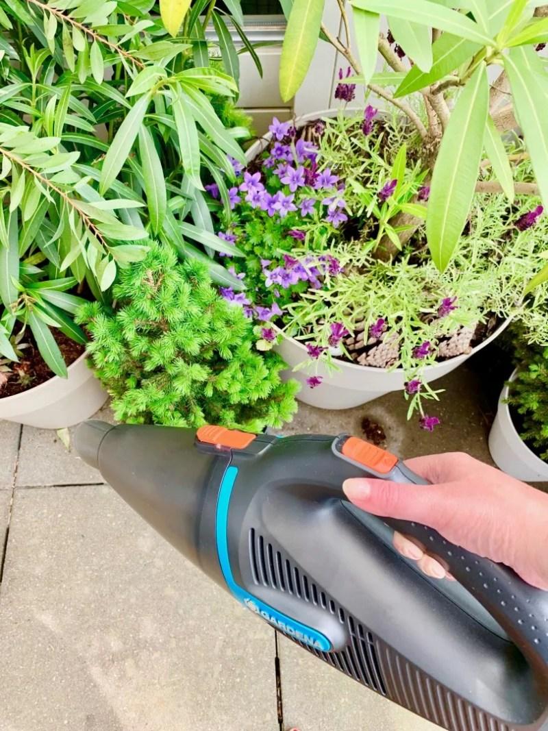 Buitenleven   Super handig! De Gardena EasyClean tuinstofzuiger © StijlvolStyling.com - sbzinterieurdesign.nl 2