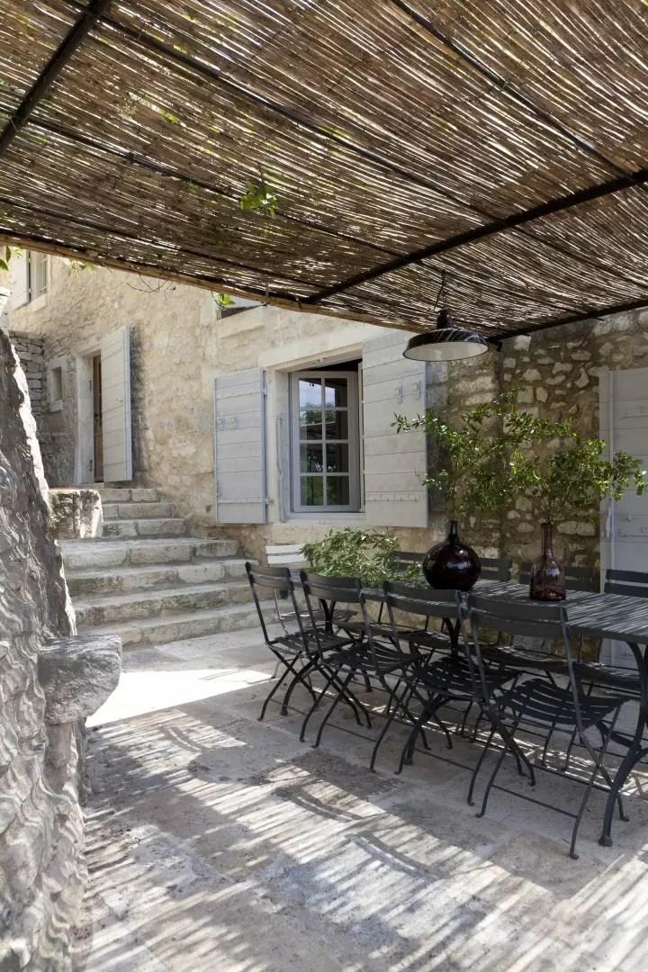 Binnenkijken - Huis uit de 13e eeuw in Frankrijk door am designs - © Beelden/ photos: am designs. Binnenkijkers op StijlvolStyling.com