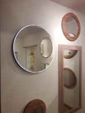 Apvalus šviečiantis veidrodis