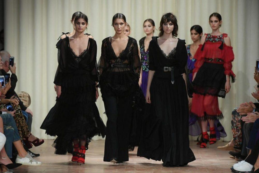 Milano Moda Donna 2016 sfilata Alberta Ferretti