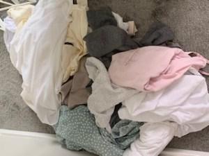 Nach der Farbberatung ein häufiges Phänomen: Kleidung wird gefärbt