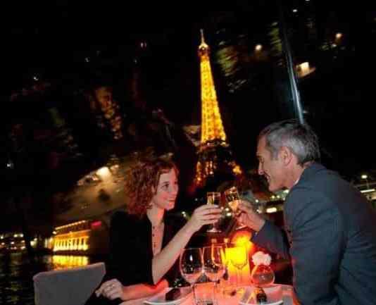 Cena Crucero romántico en París para la Nochevieja