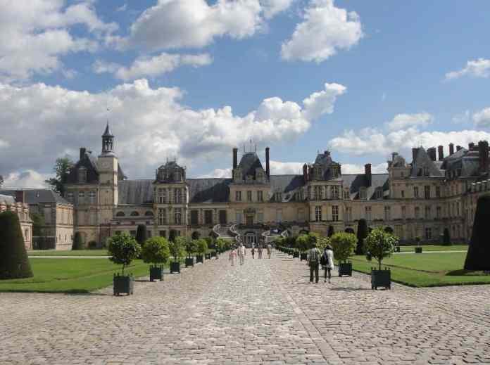 Excursión desde París a Fontainebleau, esplendor renacentista