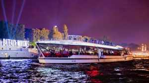 Bateaux Mouches Cruise