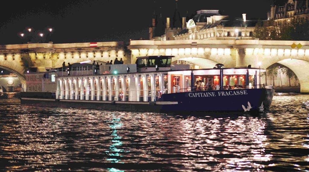 Capitaine Fracasse Best value Dinner Cruise in Paris