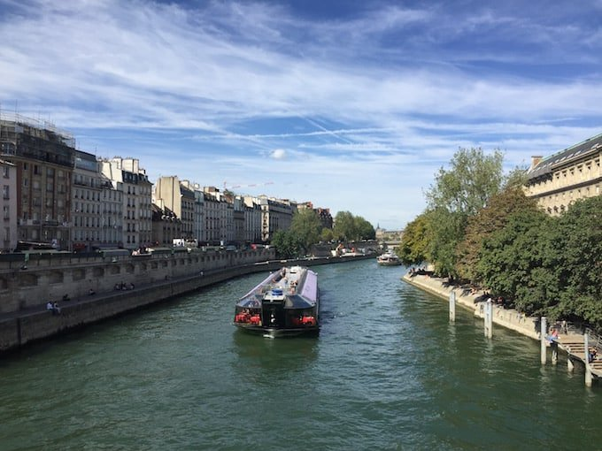파리에서 유람선 타고 투어