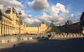 Clouddy sky in Paris in April