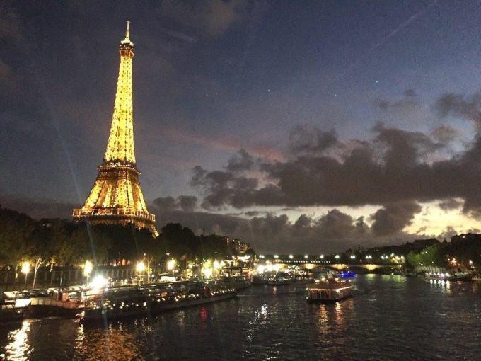 Cena-Crucero Bateau Mouche y Tour-Eiffel en París