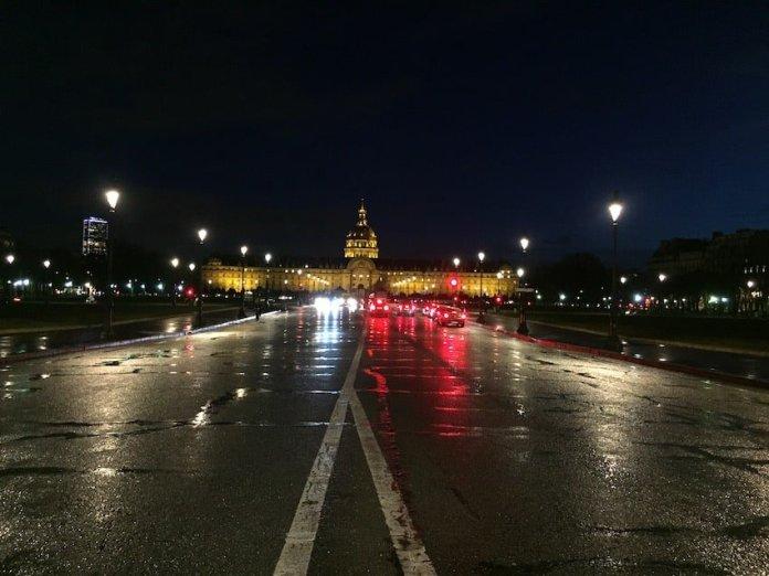 Los Inválidos de noche en París