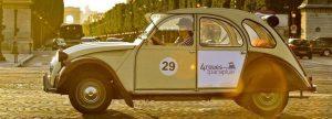 Romantischer Besuch in Paris mit 2CV Auto