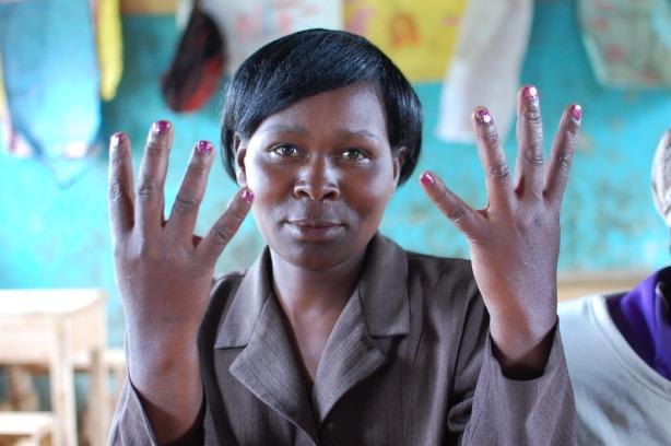 kenya-nail-painting3