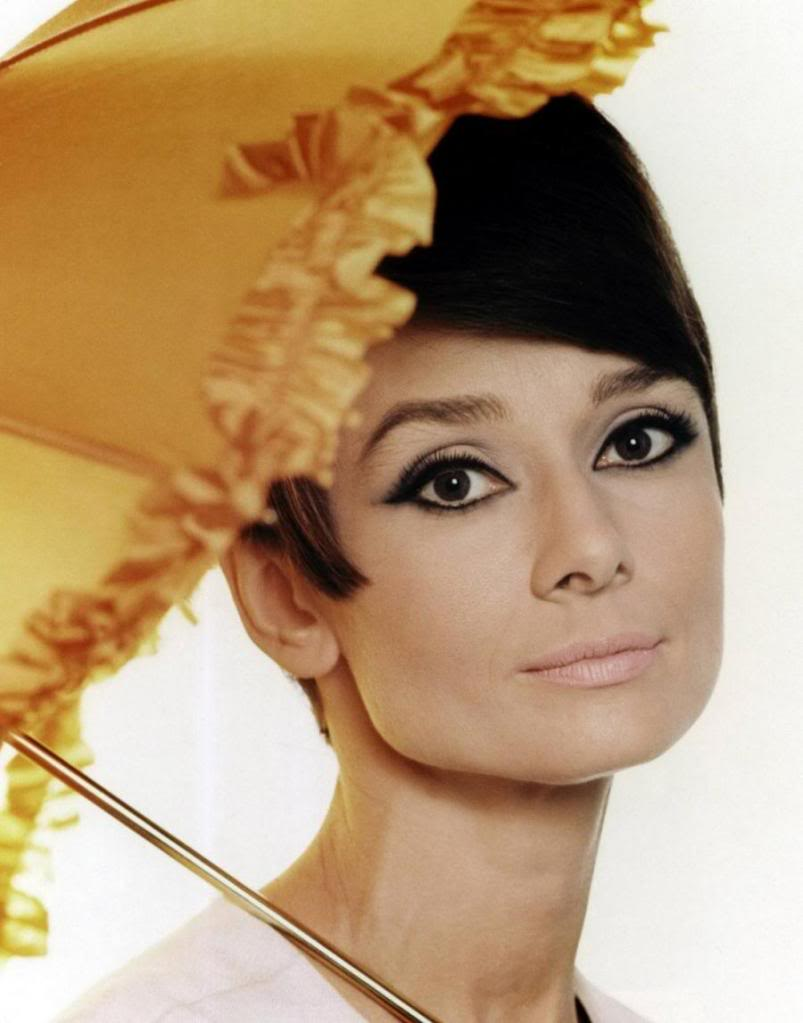 "Audrey Hepburn Inspired ""Retro Glam"" Makeup Tutorial (19)"