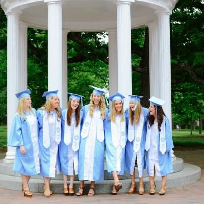 PHOTOGRAPHY | Phi Mu Seniors at UNC Chapel Hill