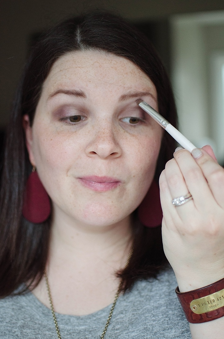 Simple Holiday Plum-Inspired Makeup Tutorial with NEUTROGENA Cosmetics (15)