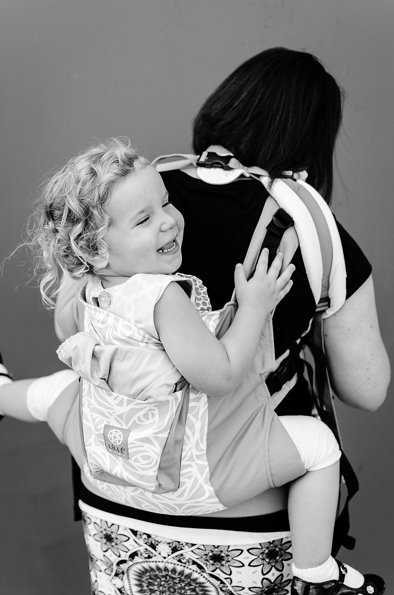 with Lillebaby Complete & CarryOn Baby Carriers #babywearing #tandemwearing #toddlerwearing (14)