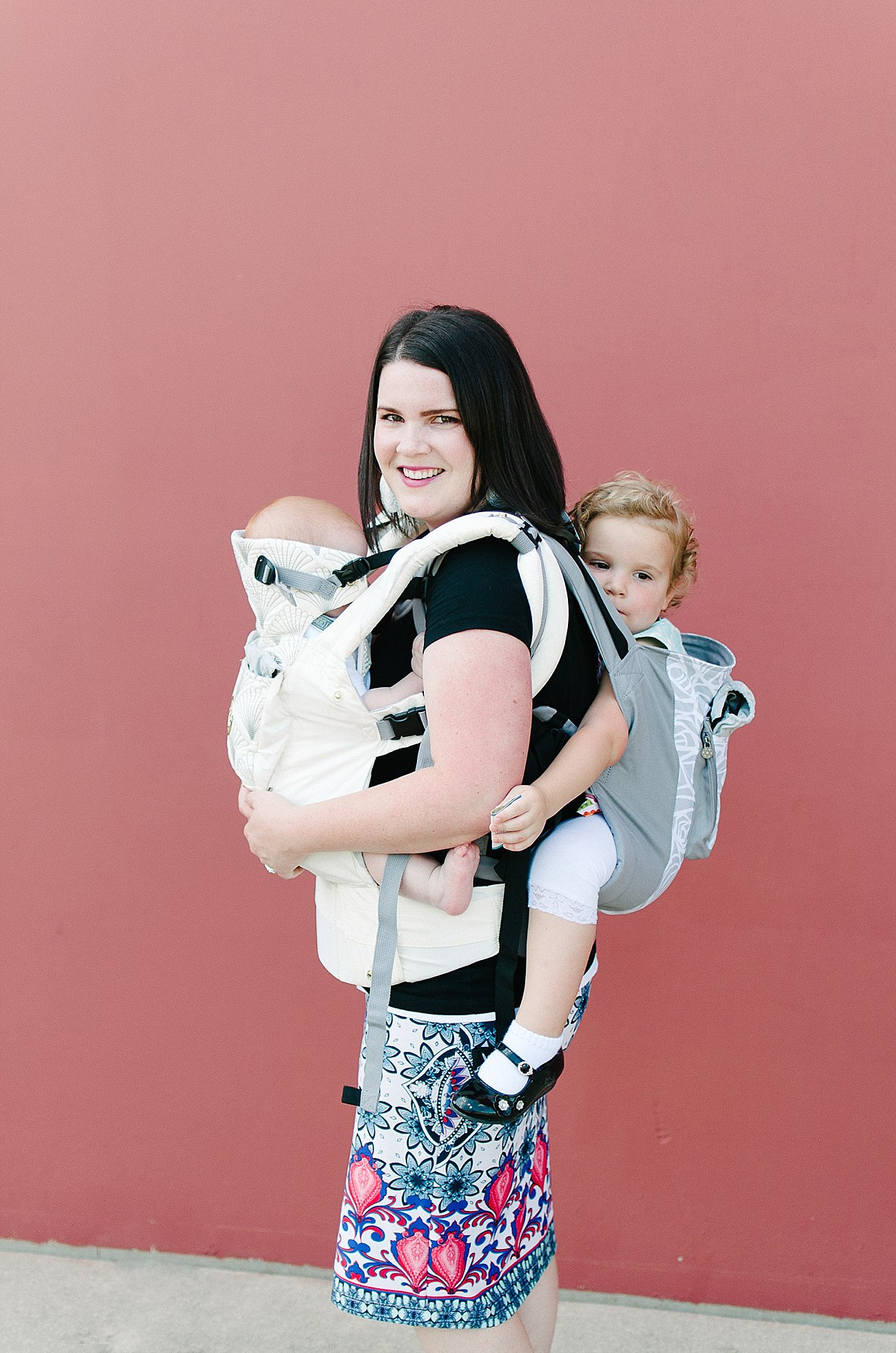 with Lillebaby Complete & CarryOn Baby Carriers #babywearing #tandemwearing #toddlerwearing (4)