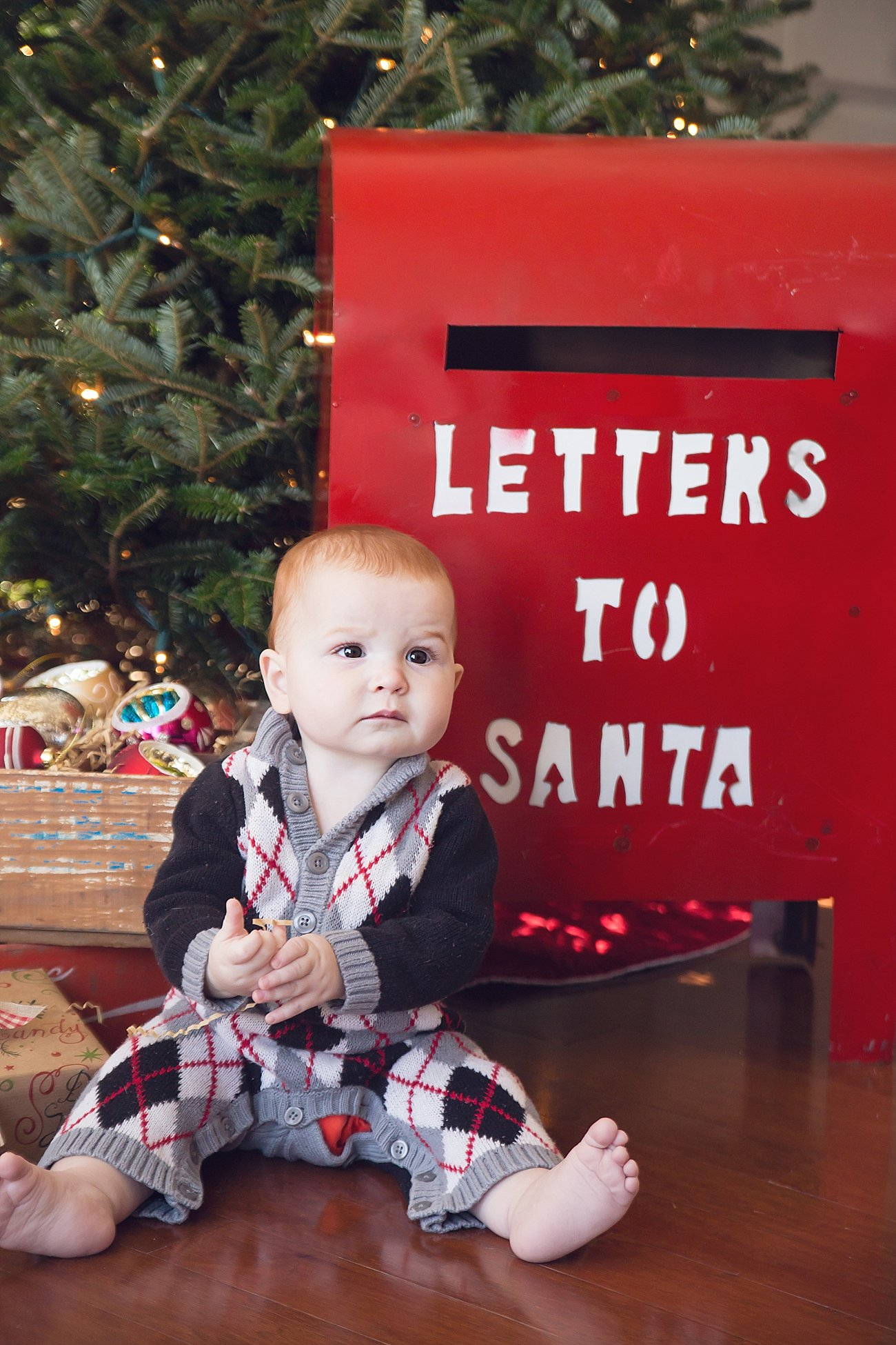 Lilly and Amos - Santa Mini Session with Rebecca Keller Photography - Raleigh, North Carolina - 2016 (6)