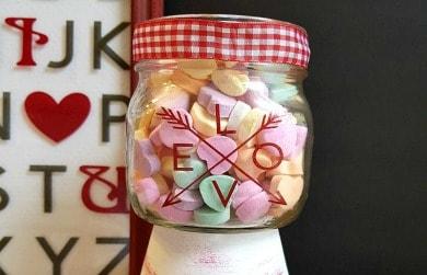 Simple Mason Jar Valentine Candy Dish
