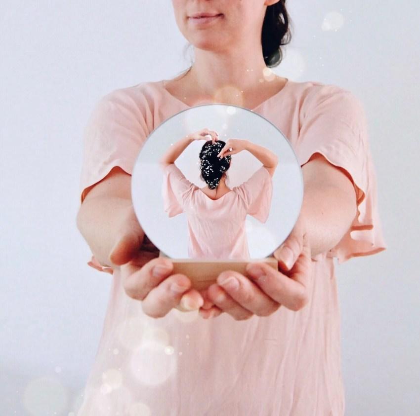 Portrait im Spiegel, creative mirror image