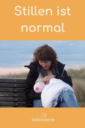 Eine Mutter stillt in der Öffentlichkeit