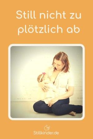 Mutter stillt Kleinkind