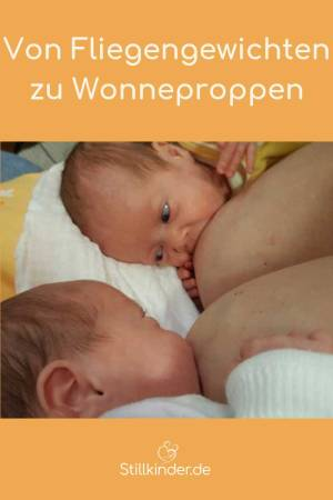Frühgeborene Zwillinge an der Brust