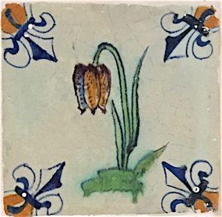 Tegel Kievitsbloem met enkele bloem. 17e eeuw.