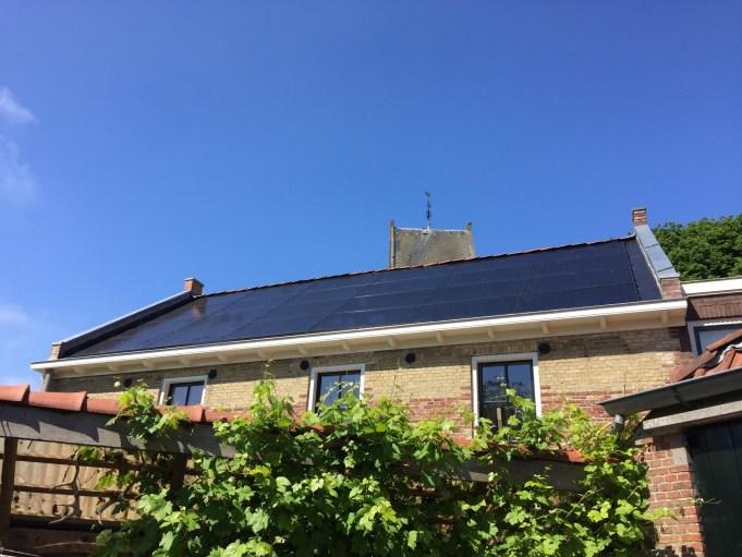Pakhûs SOLO zonnepanelen op zuiddak ca.7500kWh