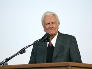 NEW YORK - JUNE 25: Rev. Billy Graham preaches at his crusade June 25, 2005 in Flushing, New York.