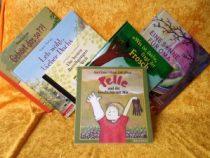 Diverse Kinderbücher übereinander liegend