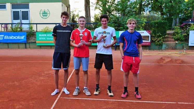 Klubmeister U18-Junioren: Thorben, 2. Platz: Dusan, 3. Platz: Ben, 4. Platz: Leo