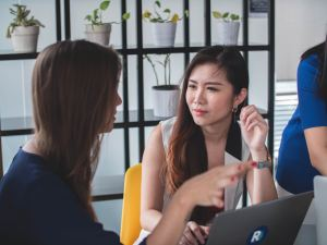 ACTIVE LISTENING - COMMUNICATION COURSES FOR BUSINESSES - STL TRAINING LONDON