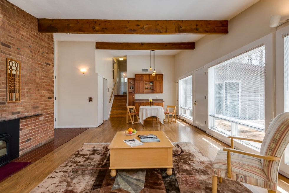 Photographs of a home on Woodleaf Court in Kirkwood, Missouri for Dielmann Sotheby's International Realty, agent Ted Wight