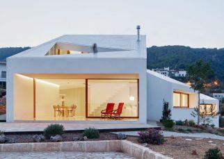 mm-house-oliver-hernaiz-architecture-lab-palma-de-mallorca-spain_dezeen_2364_ss_4-1024x731