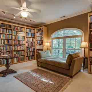 Photographs of a home on Westmoreland Place in the Central West End of St. Louis, Missouri for Ted Wight, Dielmann Sotheby's International Real Estate.