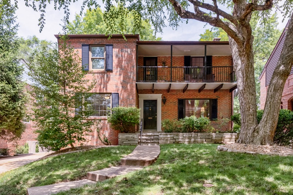 Photographs of a home on Daytona Drive in Clayton, Missouri for London Properties