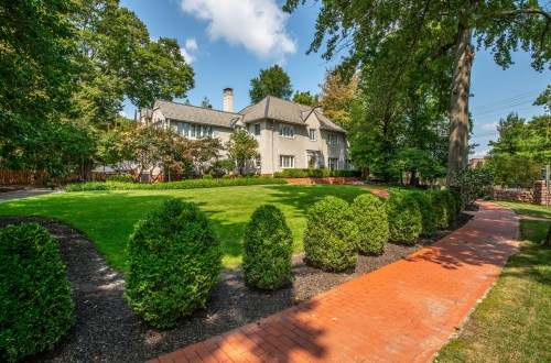 Inside Exquisite Clayton Home | 1 Southmoor Drive