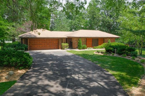 Completely Renovated J. Robert Green Mid-Century Home | 104 Bon Chateau