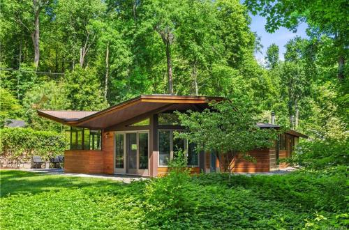 Usonian Home In New York Designed by a Frank Lloyd Wright Apprentice Asks $1.4M