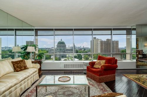 Inside CWE Condo With A View | 4501 Lindell 9FG