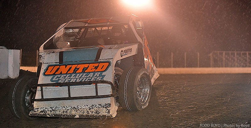 With finish line in sight, rain forces final King of America qualifier to Saturday
