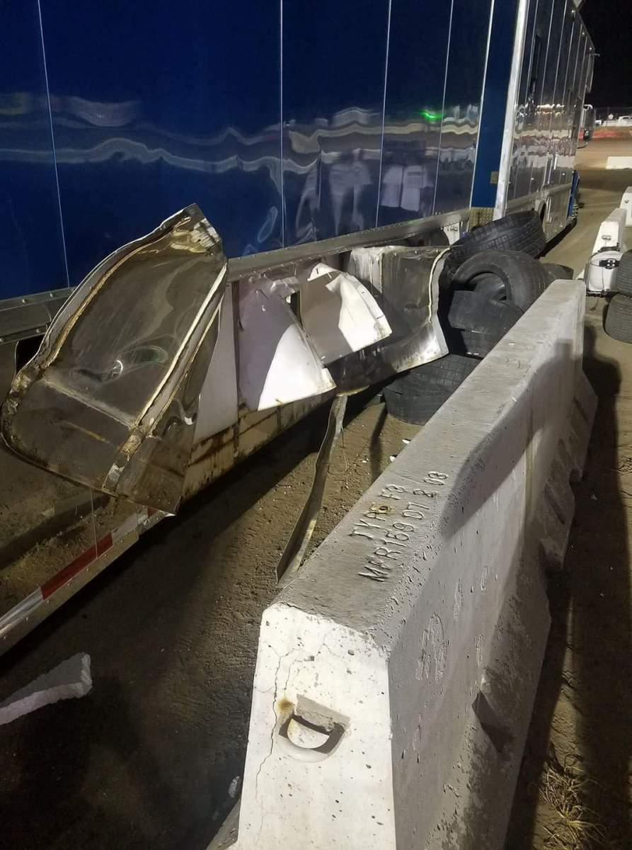 Race tire explodes inside Scott Bloomquist hauler at Silver Dollar Nationals