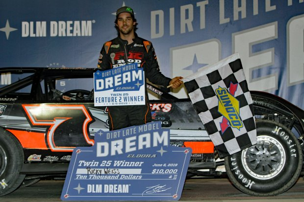 Rickey Weiss wins Thursday 2nd Dream Prelim Feature