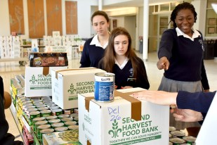 canned_food_drive_6320