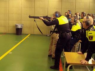 Policía Escopeta Galeria Tiro