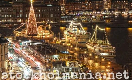 L'albero di Natale in Skeppsbron