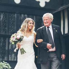 Bramall Hall (bride and father)