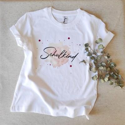 Schulkind, Bedrucktes Shirt, Schulstart, T-Shirt mit Wunschtext, Wunschdruck, individueller Druck, Personalisierung, Botschaft, Geschenkidee, Stofftiger