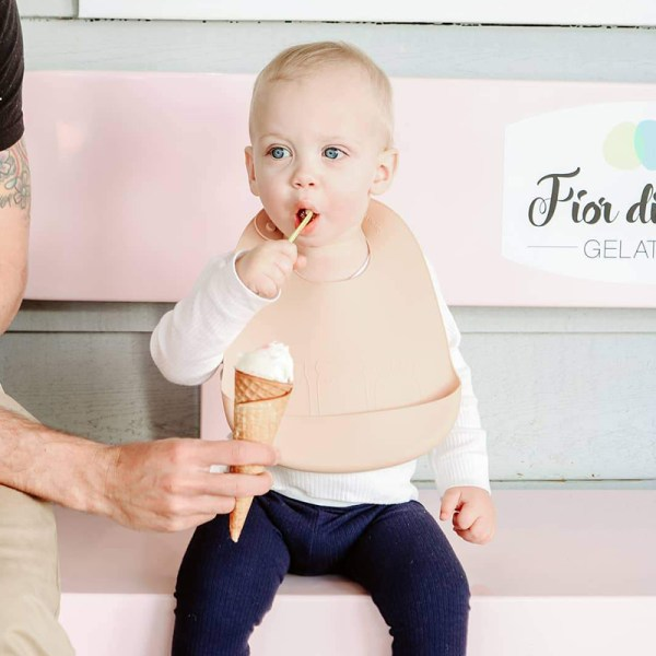 Lätzchen, We might be tiny, Silikon Eisform, Eisform, Kindereis, Frozen Joghurt, Selbstgemachtes Eis, Kinderformen, Silikonformen, Kinder Silikonformen, gesundes Naschen, Stofftiger